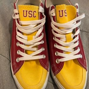 Slicks USC shoes 👟 size 12 women 10 men